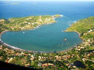 Praia da Ferradura from the air