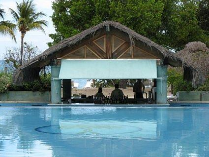 Couples Negril swimup pool bar