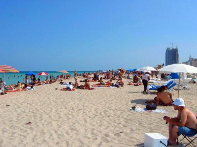 Crowed Beach - Miami Beach, Florida
